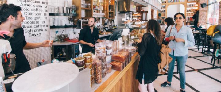 Ideas para atraer clientes a una cafetería