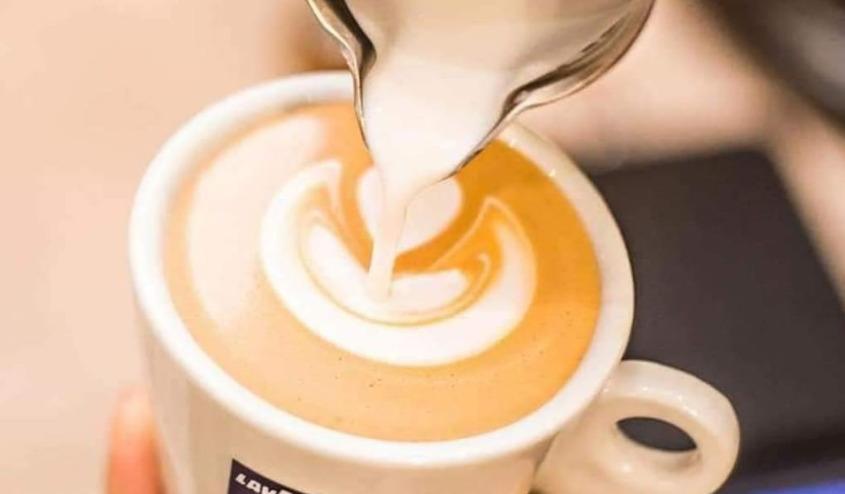 ¿Cómo hacer un café con espuma?